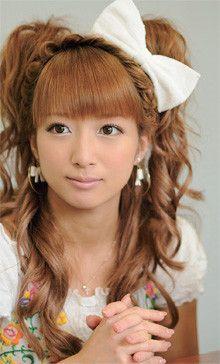<strong>辻 希美</strong>●1987年6月17日生まれ。東京都出身。O型。モーニング娘。の第4期メンバー。2004年8月1日にモーニング娘。を卒業。07年に結婚し、出産・育児のため、休業後、復帰。オフィシャルブログ「のんピース」(http://ameblo.jp/tsuji-nozomi/)が好評を博す。