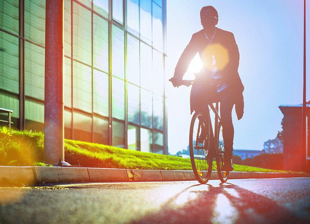 """都内通勤 脱""""満員電車""""の快適な交通手段 """"自転車シェアリング""""は使えるか"""