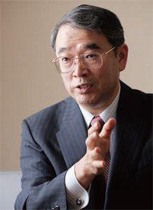 <strong>NEC社長 遠藤信博</strong>●1953年11月8日、神奈川県生まれ。81年、東工大院博士課程修了(工学博士)、NEC(日本電気)入社。2003年、モバイルワイヤレス事業部長。10年、現職。