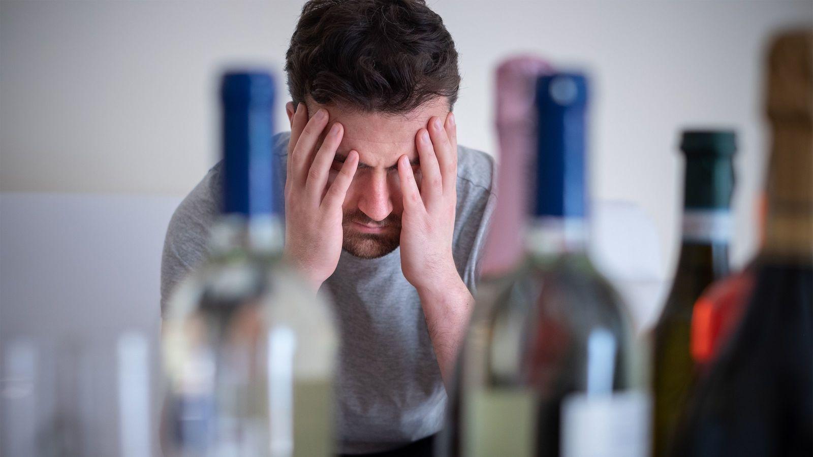 「飲酒・やけ食い・買い物」でのストレス解消は逆効果だ イライラしたら「ストレッチ」がいい