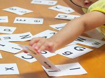 「英語教育に熱心な園VS遊び熱心な園」どっちが子どものためにいい?