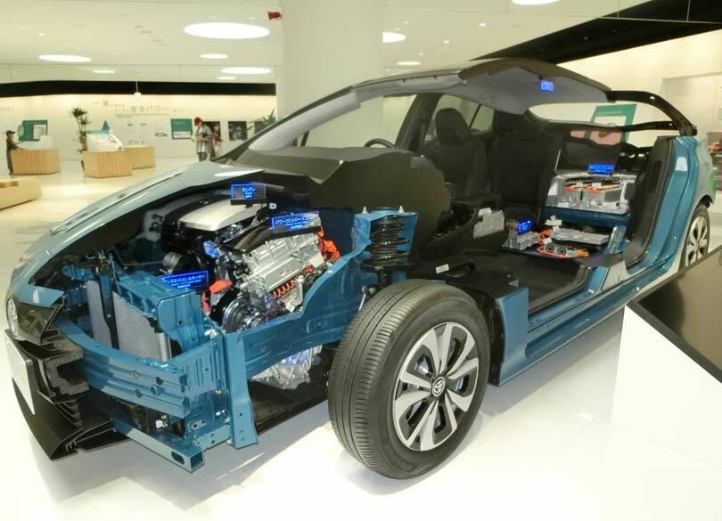 """なぜトヨタは""""EV参入""""を決断できたのか 「全固体電池」という技術革新も"""