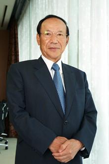 <strong>オービック会長兼社長 野田順弘<br></strong>1938年生まれ。関西大学経済学部卒業。57年、近畿日本鉄道百貨店部(現・近鉄百貨店)入社。昼は百貨店で仕事をしながら大学は夜間部に通った。68年、オービックを設立後、創業社長として、同社を率いる。03年に会長に退くも06年より会長と社長を兼務。