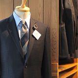 伝統を巧みに織り込んだスーツで和の心…