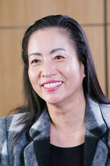 中国人は将来の100円より今日の30円。短期保有で考える<br><strong>U.F.O.社長谷 絹子</strong>●1975年、香港ファーストトレーディング設立。2000年に上海進出、02年社名変更。