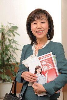 <strong>関澤恵子</strong>●東京統括支社銀座第一営業所管理所長。長野県生まれ、実践女子短期大学生活学科卒。朝日生命保険入社後、育児のため退社。1978年同社に再入社。銀座第一営業所には上司一人、営業職員一人の立ち上げ時から在籍している。80年より現職。