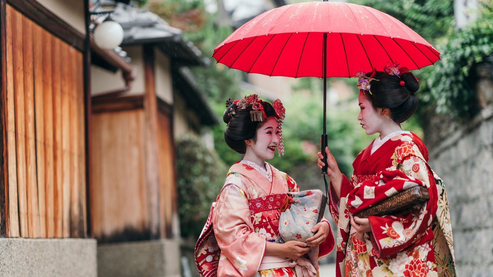 なぜ京都に来る日本人観光客が減っているのか 年々数を増し続ける中国人の存在感