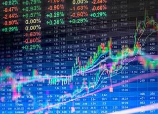 日経平均株価「年末までは上昇基調続く」