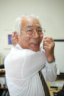 <strong>長谷川和廣</strong>●1939年、千葉県生まれ。中央大学経済学部を卒業後、数社の世界企業で代表取締役などの要職を歴任。また企業再生のプロとして、2000社を超える赤字会社の大半を立て直す。現在は会社力研究所代表として、赤字に悩む多くの経営者の相談に乗っている