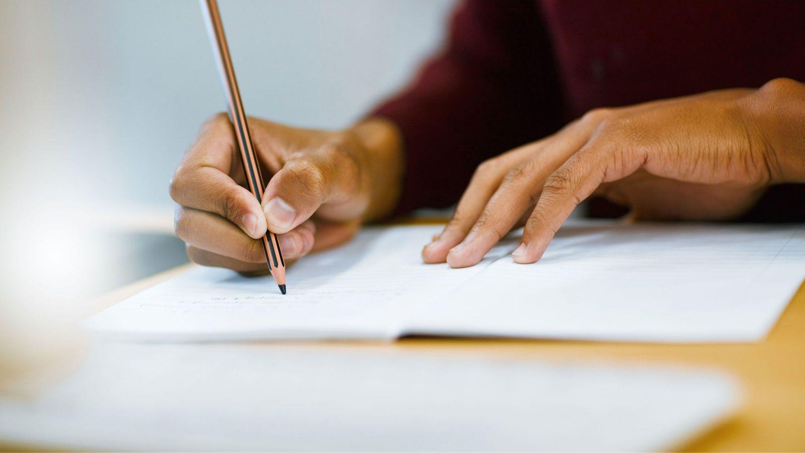 65歳で司法試験合格「丸暗記の勉強法はダメ」 インプットよりアウトプットが重要