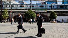 「おじフード、おじドリンクが来る」サラリーマンの街・新橋に若者が増えている意外な理由