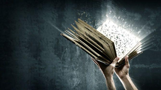 本を開くと飛び出してくる魔法の文字