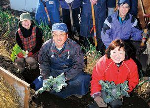 週末農業:全員で収穫の喜びを分かち合う「共同農場」