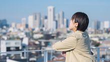 コロナ休校で顕在化、日本の働く女性にかけられた「お母さん」という呪いの正体