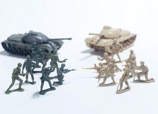 ゲーム理論で楽しく学べる「戦争と平和」
