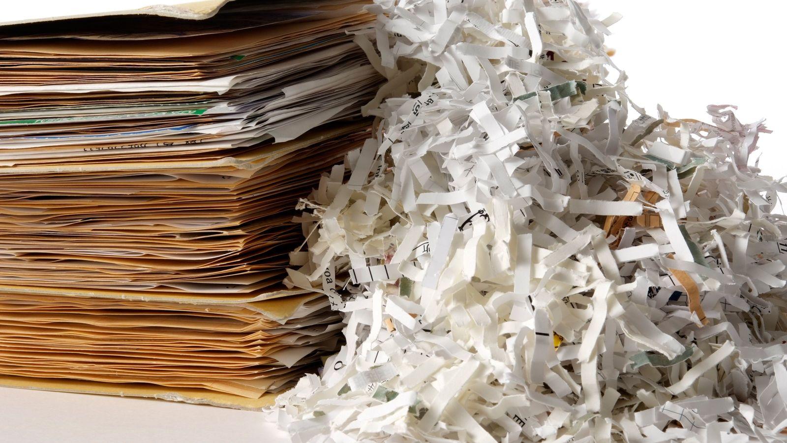 「遺品整理」うっかり捨てるとヤバい郵便物とは 例えば、各種サービスの支払い通知