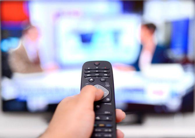 ニュースをテレビで観戦