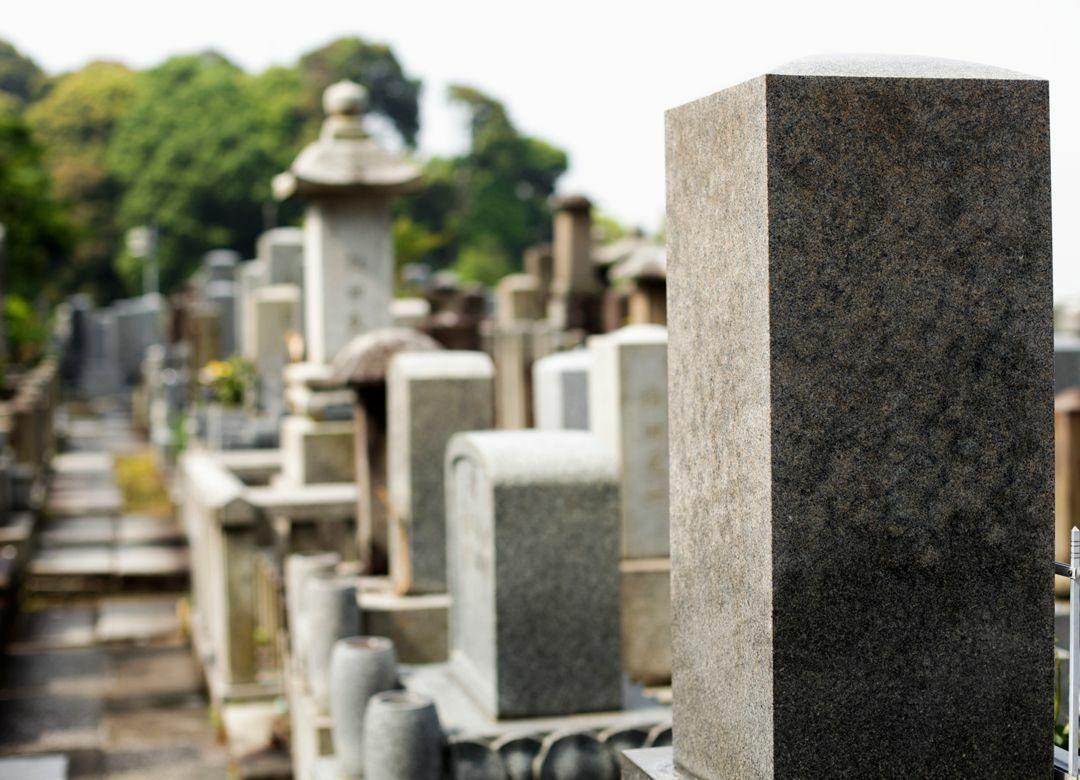 明朗会計の「お布施」がウケている理由 一般葬儀16万円、戒名授与2万円