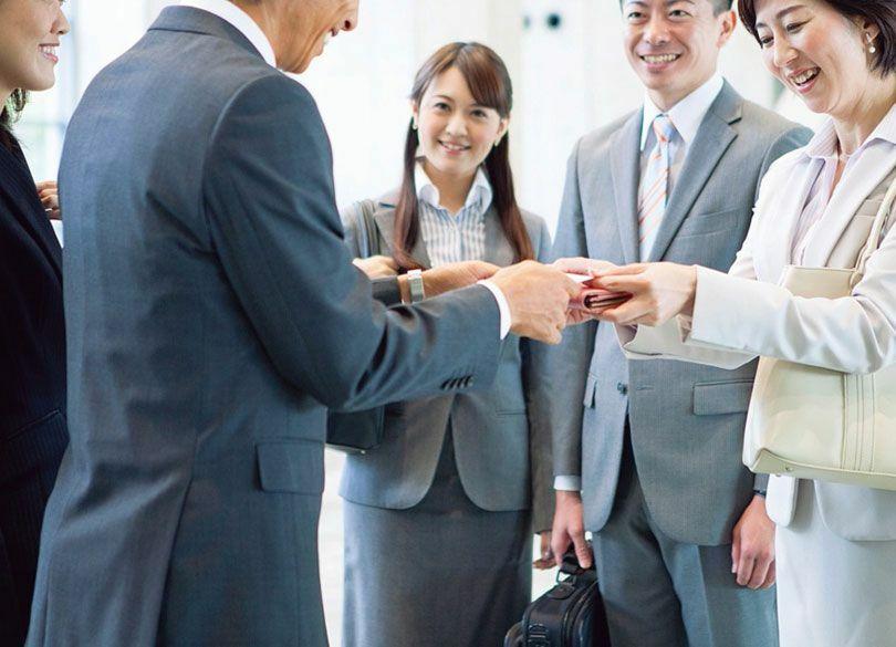 """""""人の顔と名前を忘れない""""最も確実な方法 なぜ日本人は名前を忘れやすいのか"""
