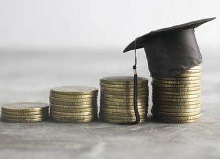奨学金と教育ローン、借りるならどっち?