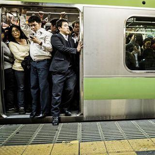 怖い 満員 電車