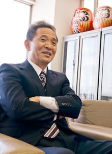 <strong>朝日ソーラー会長 林 武志</strong><br>1950年3月、福岡市生まれ。工業高校を中退、さまざまな職業を経験したのち83年に朝日ソーラーを創業。ベンチャーの雄として華々しい脚光を浴びるが、97年に販売手法が問題とされ倒産の危機を迎える。2008年3月より現職。