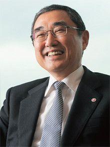 <strong>伊東信一郎●いとう・しんいちろう<br></strong>1950年、宮崎県生まれ。74年九州大学経済学部卒業、全日本空輸(ANA)入社。99年社長室事業計画部長、2001年人事部長、03年取締役営業推進本部副本部長兼マーケティング室長、04年常務、06年専務、07年副社長。09年4月より現職。