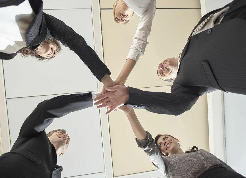 人間は周り5人の平均になる! 仕事と人生のクオリティを上げる3つの方法