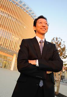 <strong>佐々木健雄</strong>●イーアスつくば支配人。1962年、東京都生まれ。都立白鴎高校、中央大学経済学部卒。85年の入社以来、店舗開発一筋。最初の配属先の茨城県に15年いたのち横浜支店へ。「湘南モールフィル」の開発などを経て、2005年からイーアスつくばプロジェクトマネジャー。08年8月から現職。