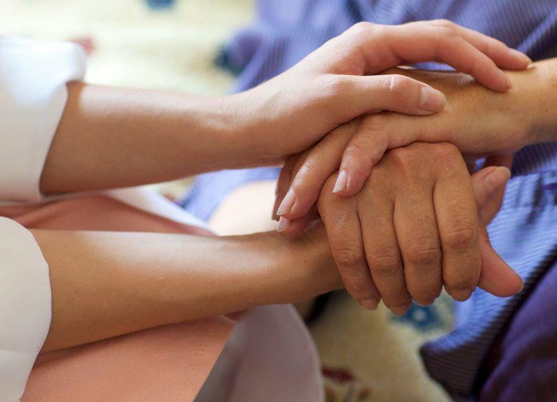 "ALS患者・藤元さんの死は""美談""ではない 「24時間他人介護」の必要性"