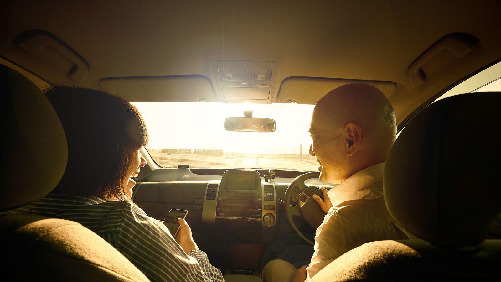 高齢者がマイカーを手放すとどれだけ得なのか タクシー利用でも年14万浮くことも