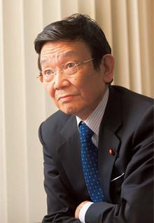 <strong>たちあがれ日本共同代表 与謝野馨</strong>●1938年生まれ。東京都出身。東京大学法学部卒業。日本原子力発電、中曽根康弘衆議院議員の秘書を経て76年、衆議院議員に初当選。文部大臣、通商産業大臣、内閣府特命担当大臣、財務大臣などを歴任。今年4月、自民党を離党、「たちあがれ日本」を立ち上げる。