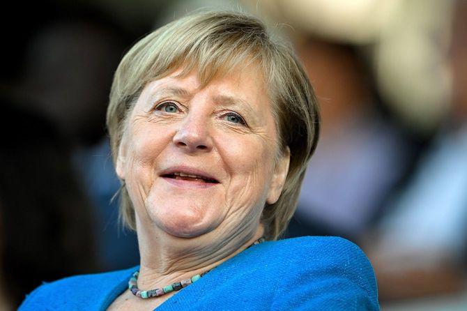 2021年8月23日、ドイツ・デュッセルドルフの競馬場で行われた75年前のノルトライン・ヴェストファーレン州の設立記念式典に出席したキリスト教民主同盟(CDU)のアンゲラ・メルケル首相