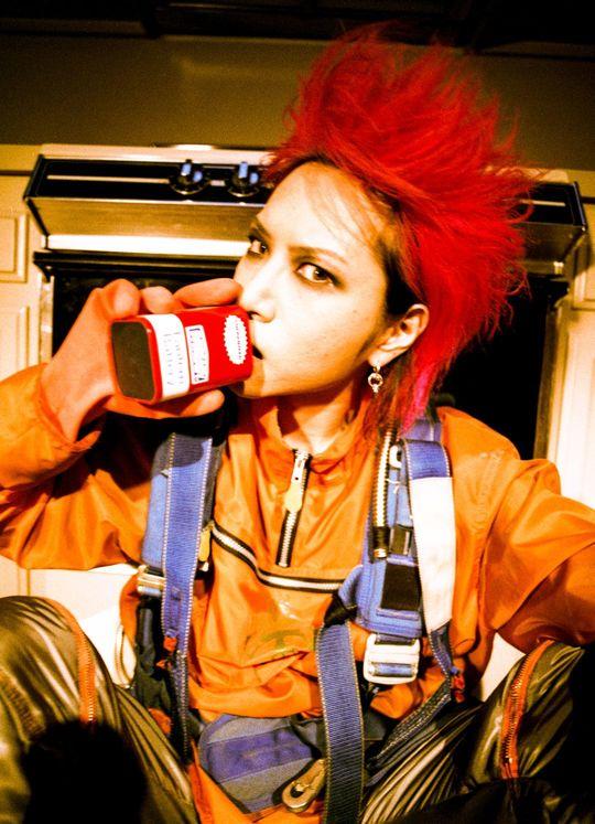X JAPANのギタリストとして活動したhide