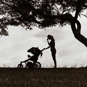 """虐待する母親は""""しっかりしていない""""のか 世間が求める""""あるべき母親 ..."""