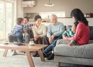 別居の老親を扶養家族にして節税する方法