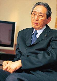 <strong>中村邦夫●パナソニック会長</strong><br>1939年、滋賀県生まれ。62年大阪大学経済学部を卒業後、松下電器産業に入社。89年米松下電器パナソニック社社長、96年常務、97年専務兼AVC社社長、2000年社長、06年より現職。2008年10月パナソニックに社名変更、会長に就任。社長時代には「破壊と創造」をスローガンに事業部制の解体や2万人の人員削減などを断行。同社をV字回復に導いた。