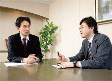 村田製作所の南出雅範氏(左)と三井住友銀行の安地和之氏(右)。<br> 「M&Aの仲介をやってる人が、実はファイナンスや会社の組織再編にも明るければ、非常にありがたいですね。我々が完全にイメージできてなくてもだいたいのイメージを持ってもらって、次に本当のプロを連れて来てもらえる」(南出氏)