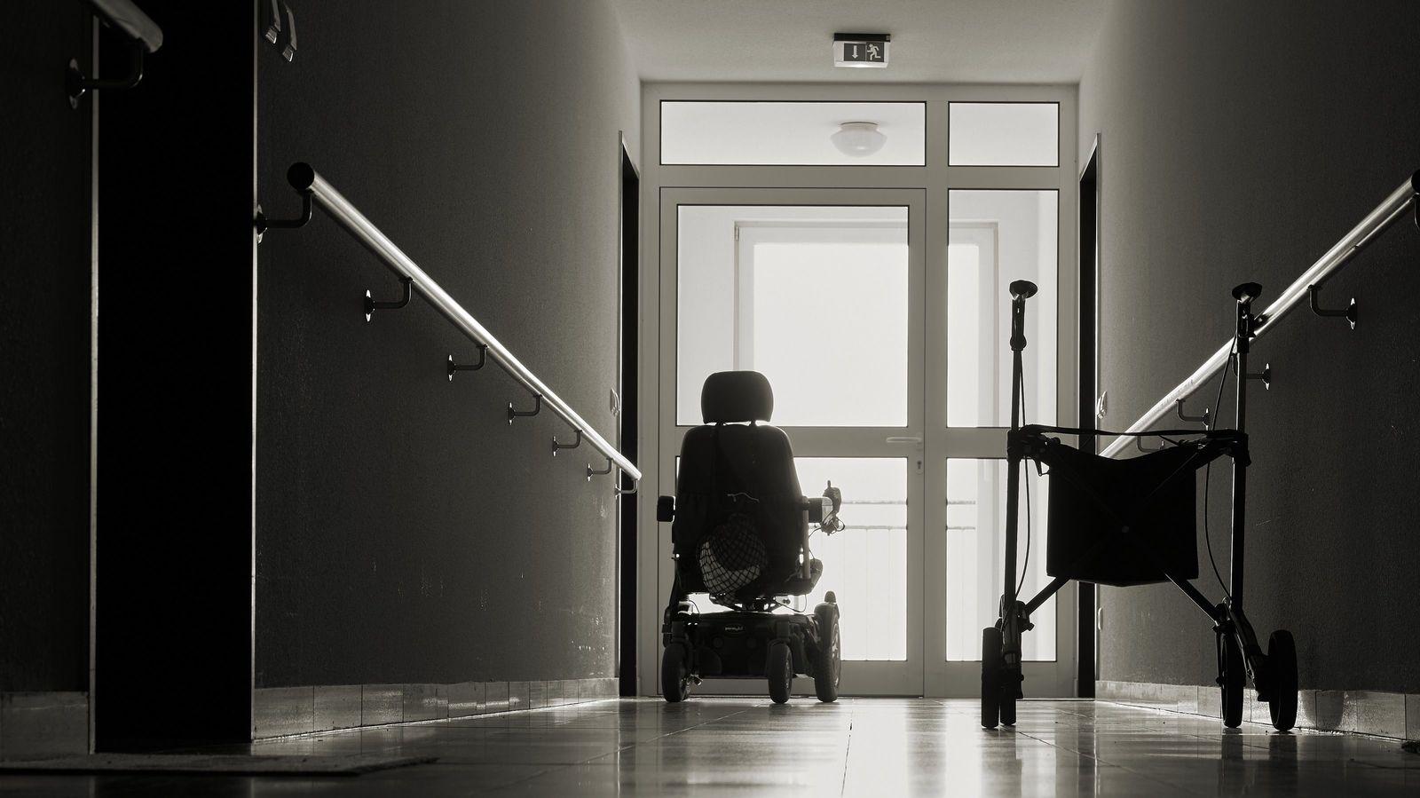 2021年春に介護難民があふれる「人災」が起きる 介護保険法の「改悪」で現場は大混乱