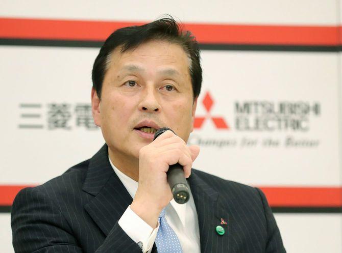 次期社長に就任することが決まり、記者会見する三菱電機の杉山武史副社長