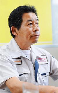 <strong>ホッピービバレッジ常務取締役 加藤木 隆</strong>●1952年、茨城県生まれ。建設機械のリース業、サンドイッチ専門店を経て、79年コクカ飲料(現・ホッピービバレッジ)入社。調布工場長も兼ねる。