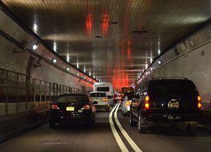 なぜ渋滞は追越車線から発生するのか