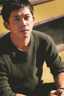 かくはた・ゆうすけ●1976年生まれ。早稲田大学政治経済学部卒、同大探検部OB。2002~03年、チベット、ヤル・ツアンポー川大峡谷の未踏査部を単独で探検し、ほぼ全容を解明。03年朝日新聞社入社、08年退社。10年本作品で第8回開高健ノンフィクション賞を受賞した。