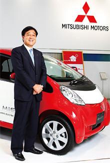 <strong>三菱自動車 代表取締役社長 益子 修</strong>●1972年、早稲田大学政治経済学部卒業後、三菱商事入社。2003年、同社執行役員、自動車事業本部長に就任。04年、三菱自動車代表取締役常務取締役海外事業統括就任。05年より現職。