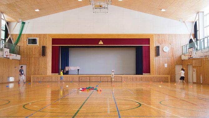 大日向小学校の体育館