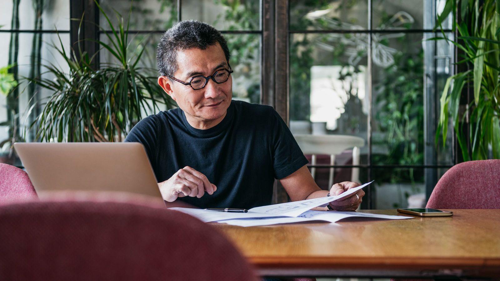 日本と海外をすぐに比較する「高学歴クソリプおじさん」の悲哀 新型コロナの閉塞感でSNSに増殖中