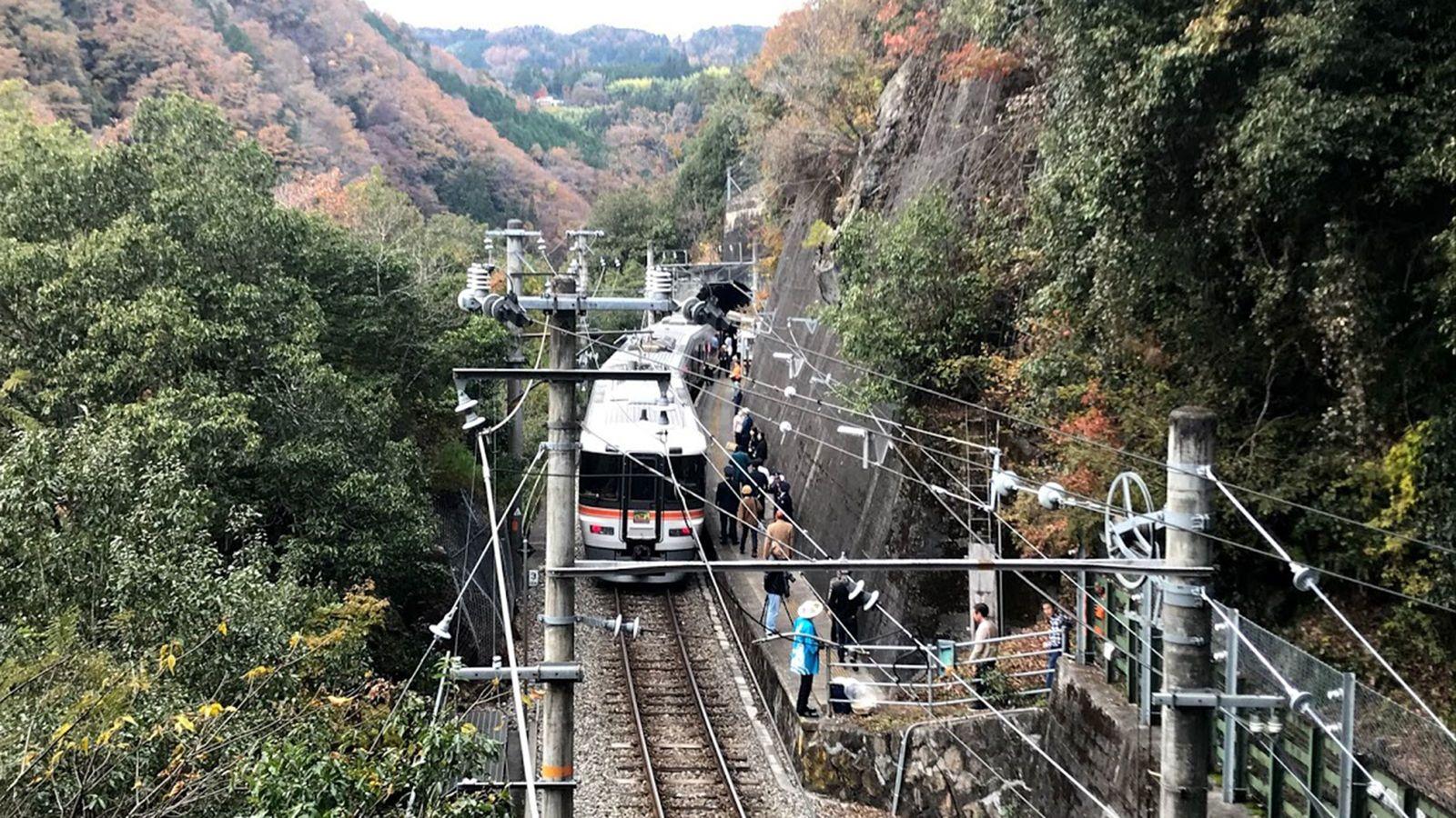 チケットは即完売「秘境駅」を行く観光列車の旅 「飯田線秘境駅号」停車駅を全解剖
