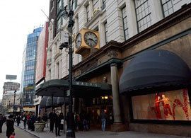 最低賃金を上げると百貨店の客が減る理由