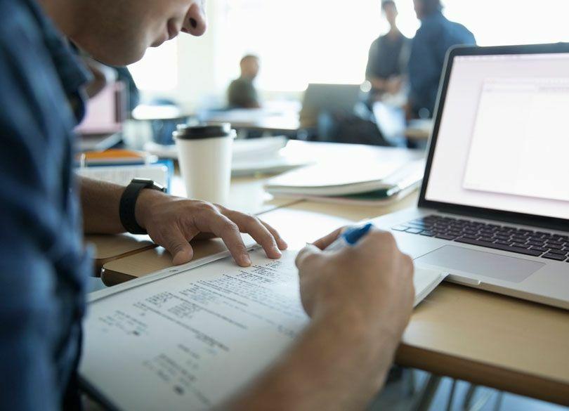 クビ・定年が怖くなくなる最新稼げる資格 副業には「ウェブ解析士」がいい