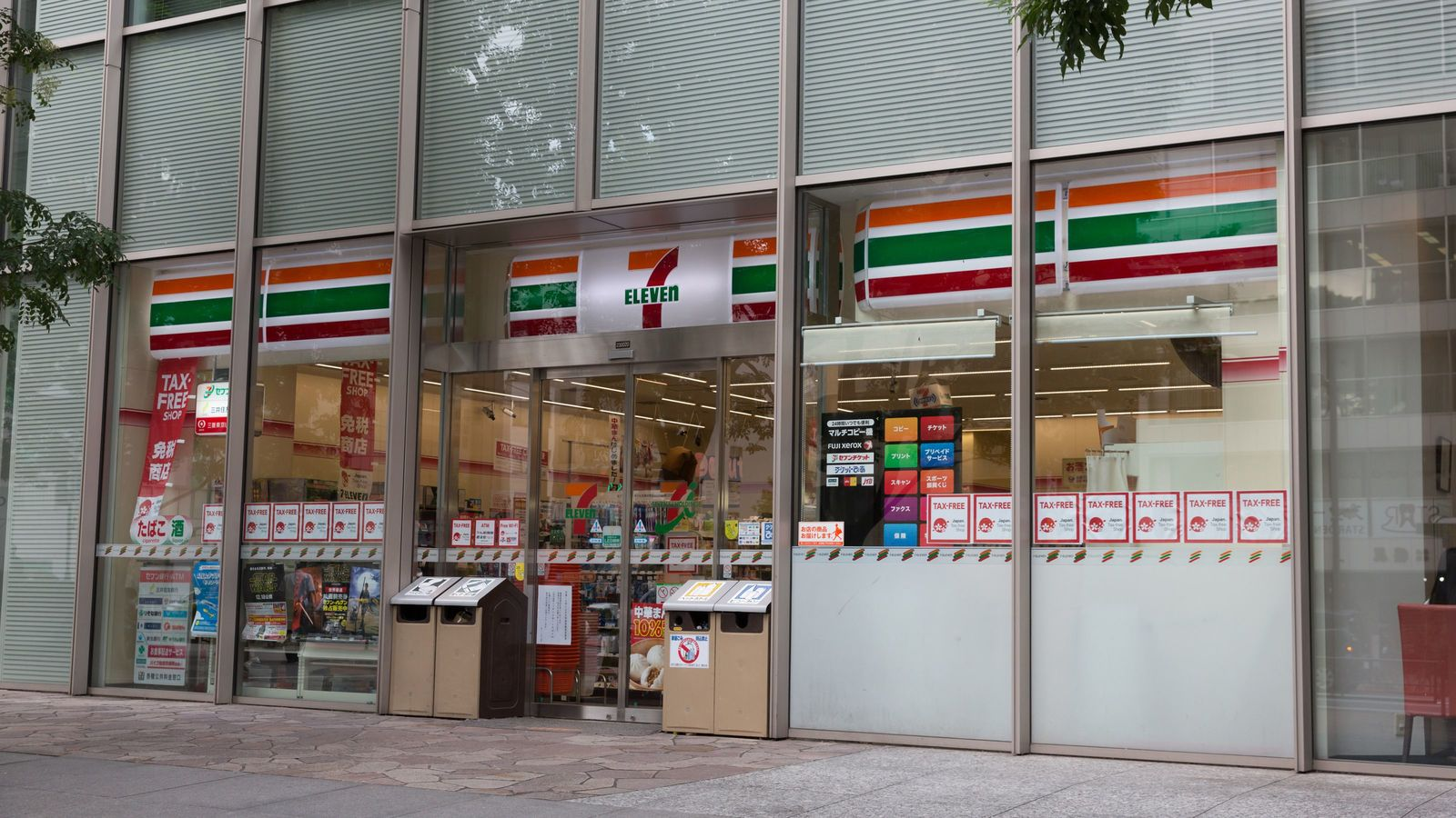 コンビニは1店舗当たり何人の客が必要なのか マーケティングの「センス」を磨く